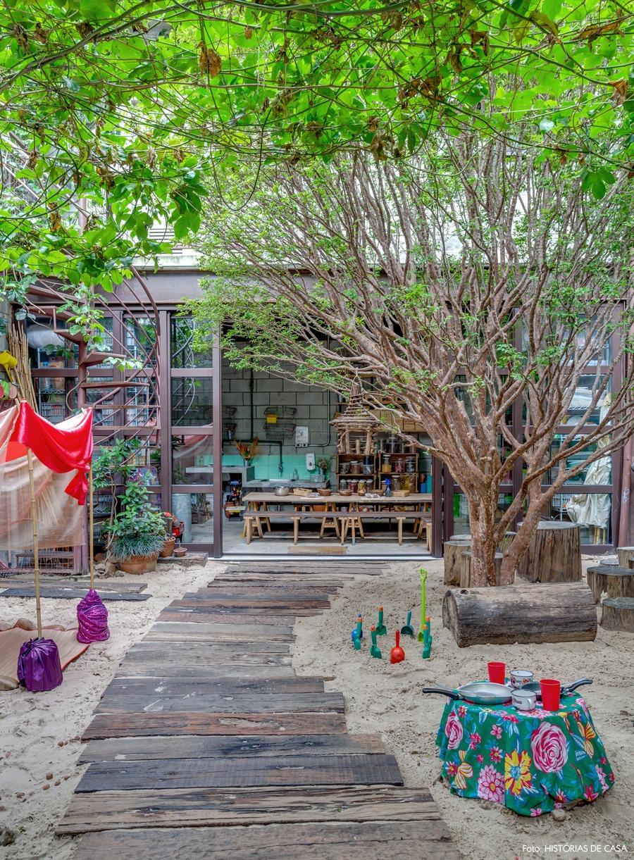 21-decoracao-mamusca-jardim-fundos-areia