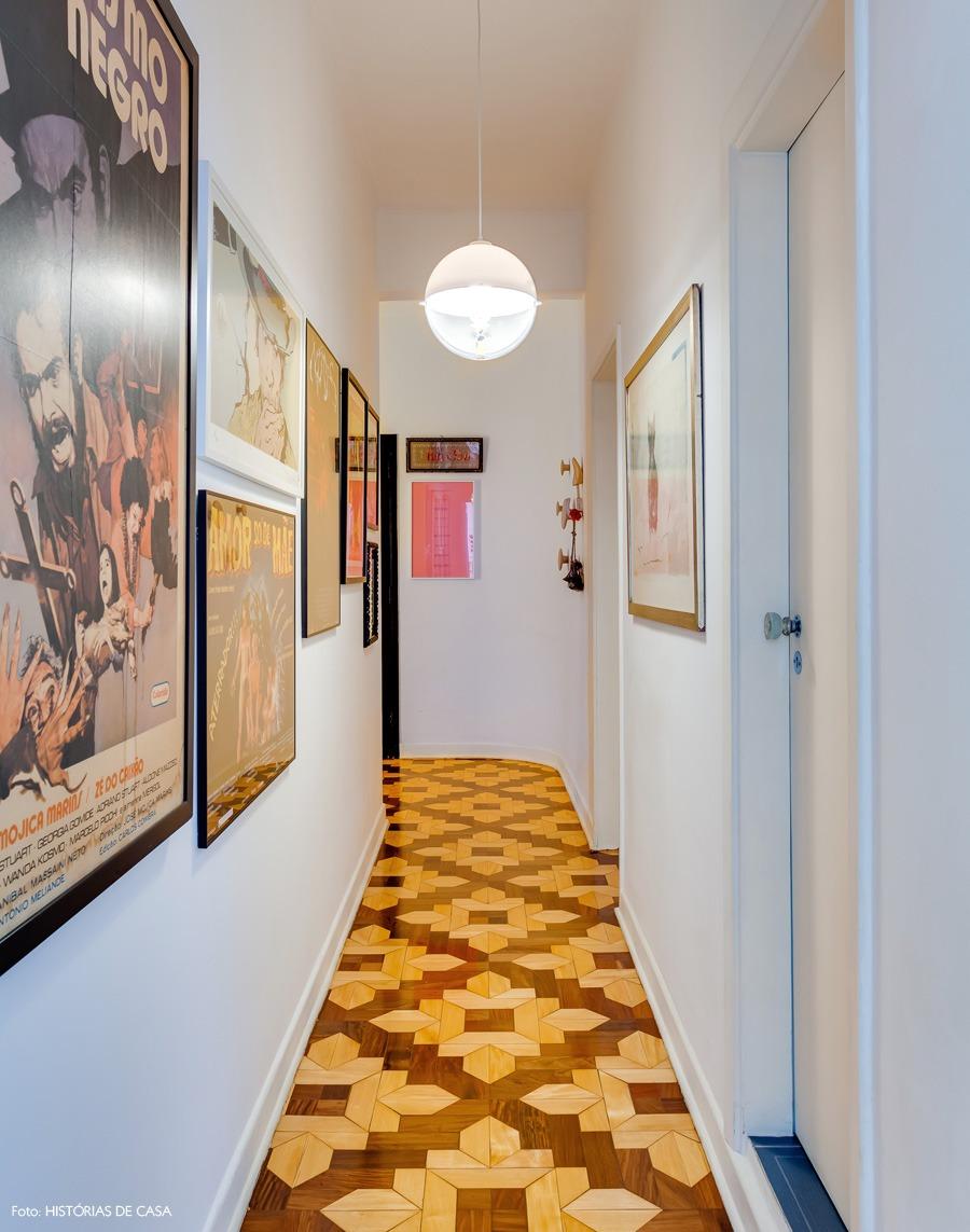 03-a-decoracao-corredor-quadros-galeria-taco