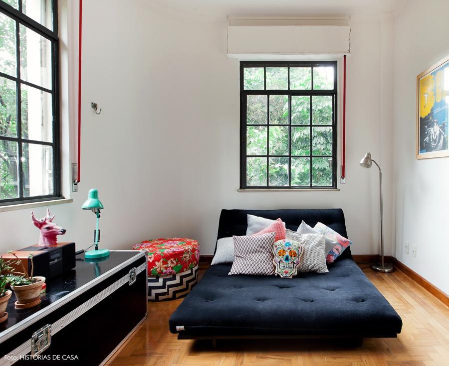 29-decoracao-quarto-futon-almofadas-cores