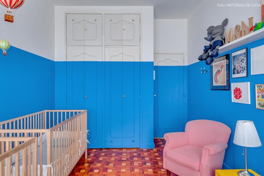 34-decoracao-quarto-bebe-pintura-azul-armarios