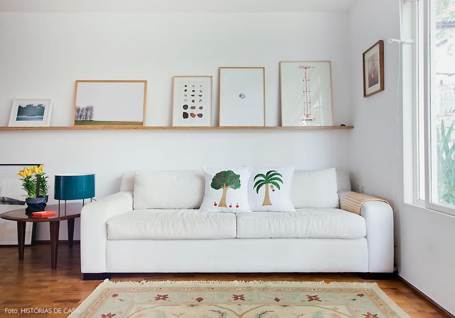 06-decoracao-apartamento-sala-estar-plantas-amarelo