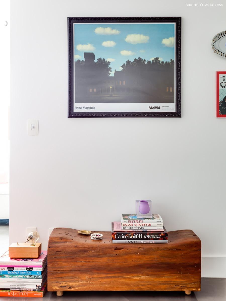 06-decoracao-quadros-livros-tora-madeira