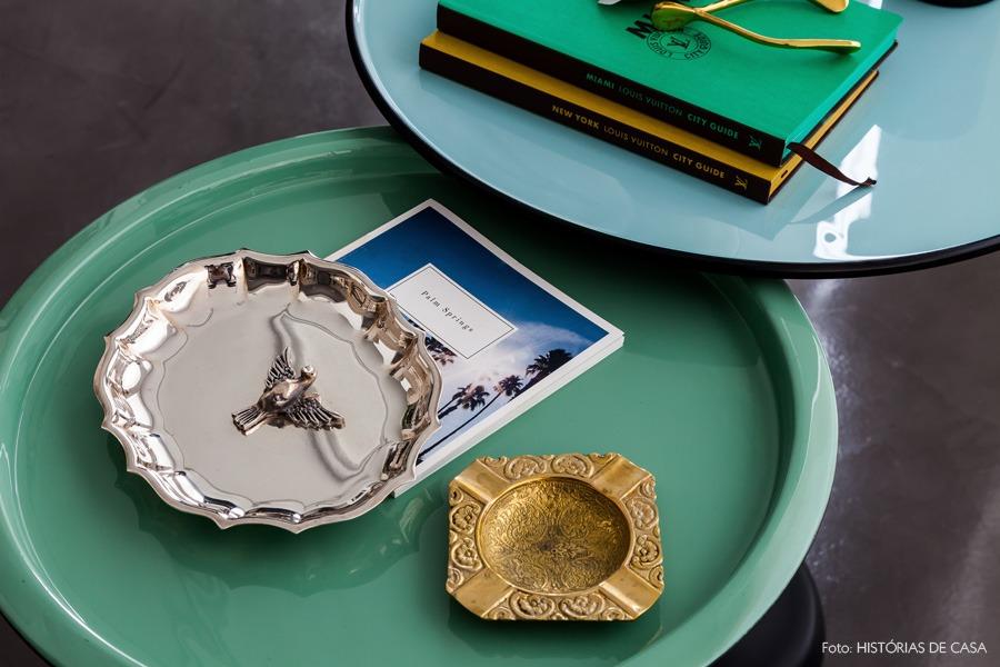 20-decoracao-mesas-laterais-coloridas-dourado