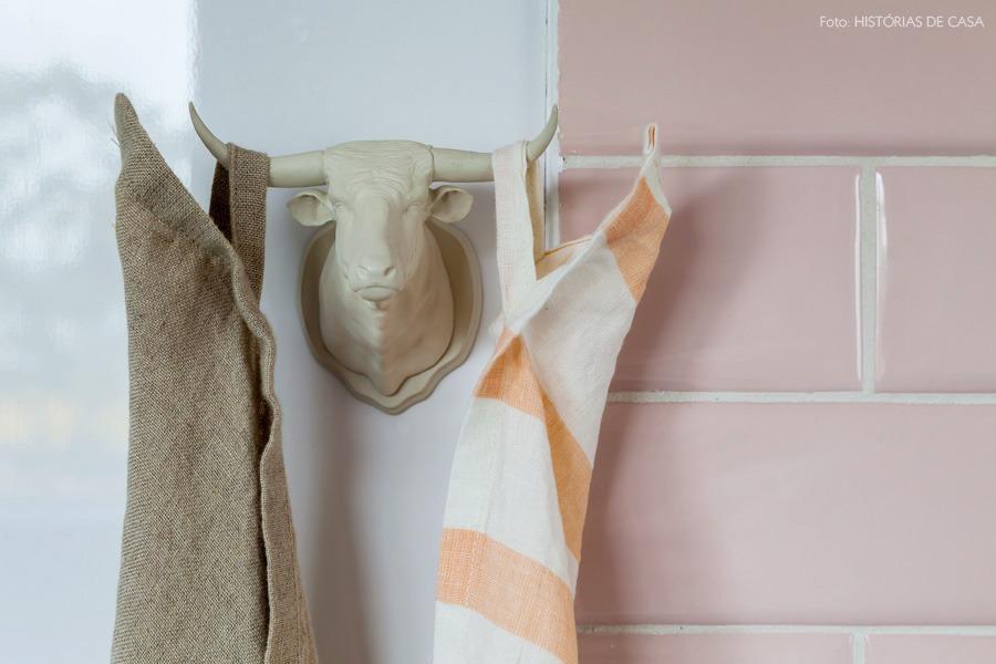 29-decoracao-cozinha-gancho-divertido-rosa