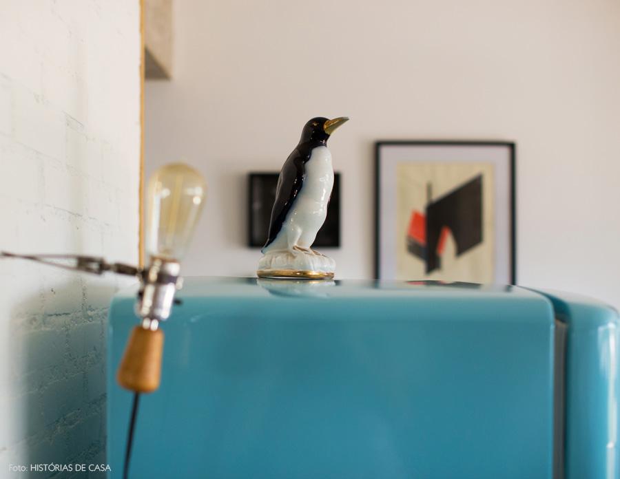 12-decoracao-geladeira-vintage-azul-pinguim-de-geladeira