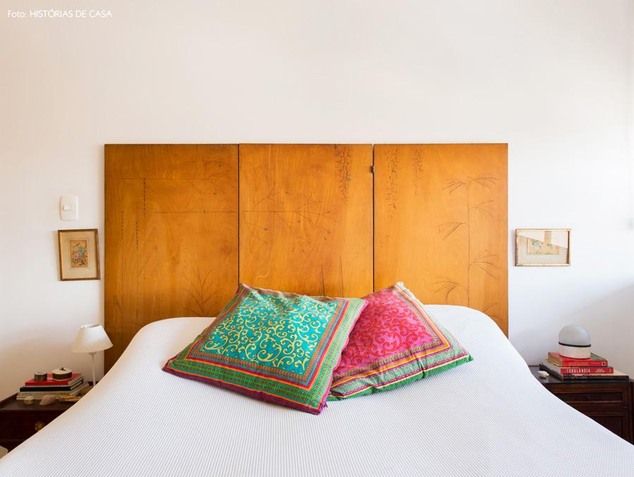 26-decoracao-quarto-cabeceira-biombo-de-madeira