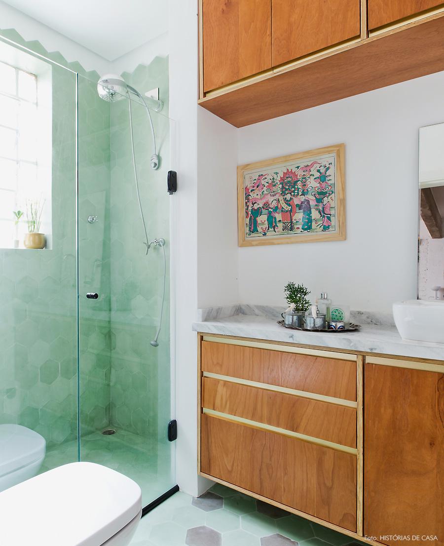 44-decoracao-banheiro-box-ladrilho-hidraulico-hexagonal-verde