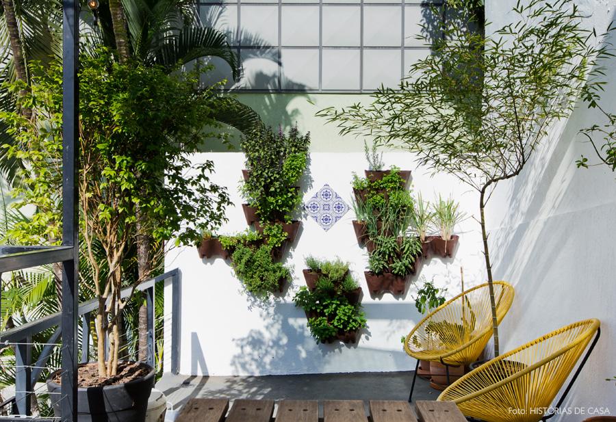 26-decoracao-terraco-quintal-piso-cimento-plantas