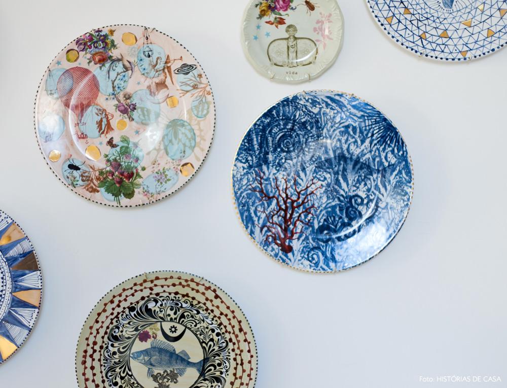 14-decoracao-atelie-calu-fontes-colecao-pratos-estampados