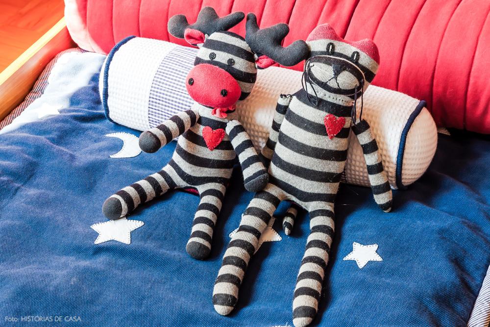 26-decoracao-quarto-crianca-bonecos-pano-almofadas