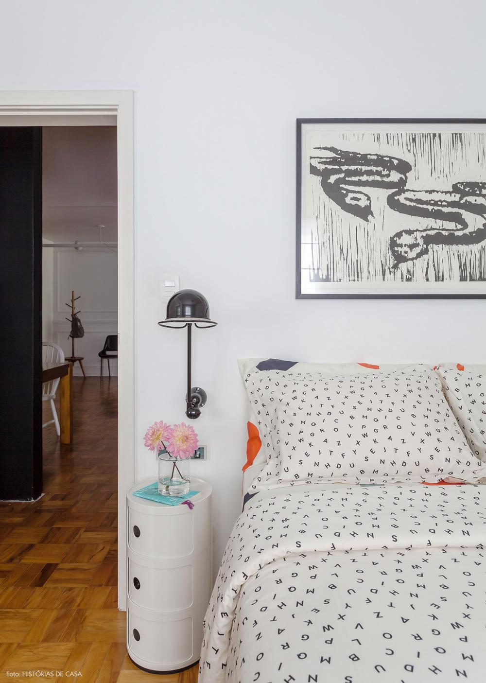 31-decoracao-quarto-branco-roupa-de-cama-letras-minimalista
