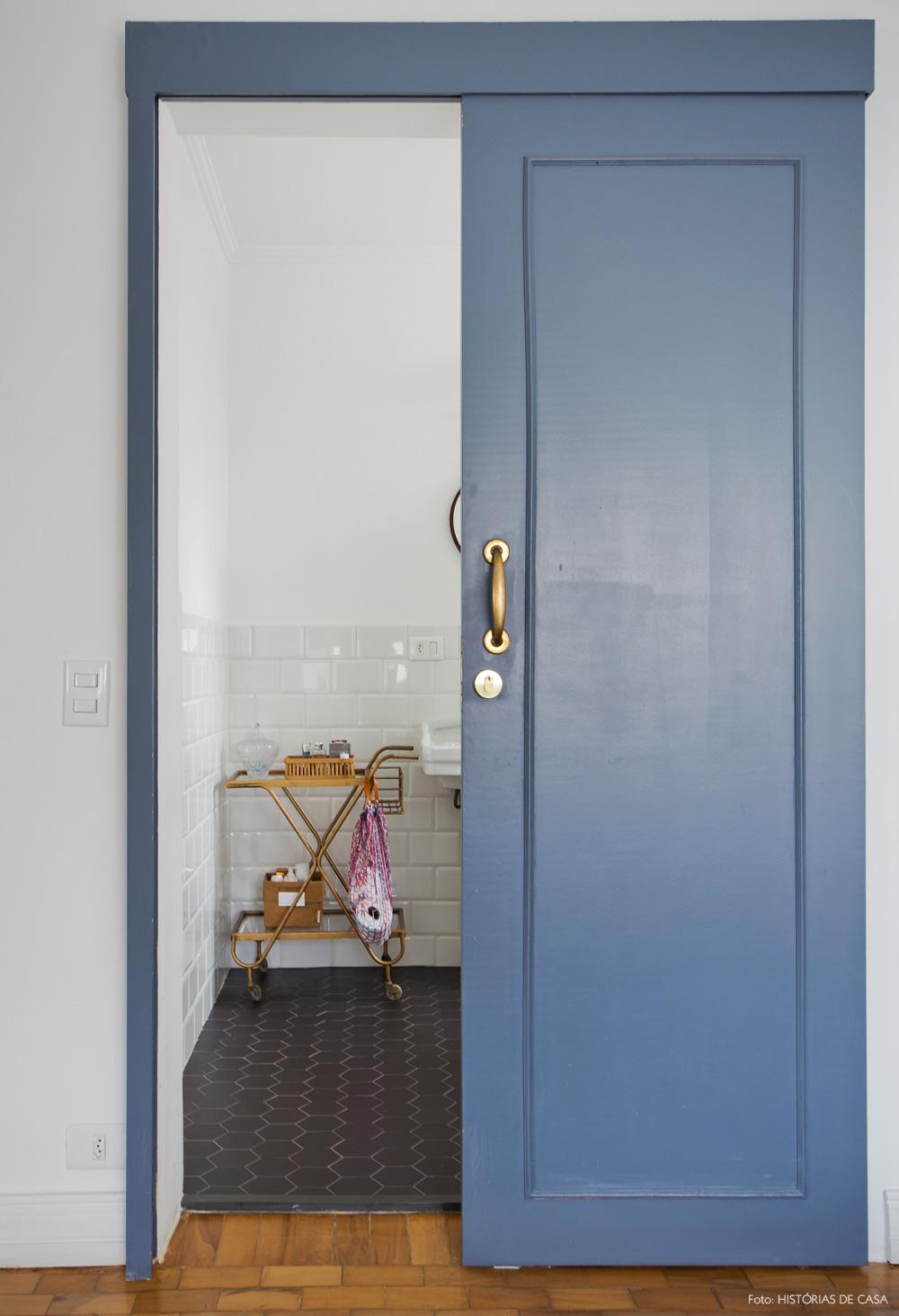 37-decoracao-quarto-casal-banheiro-suite-portas-correr