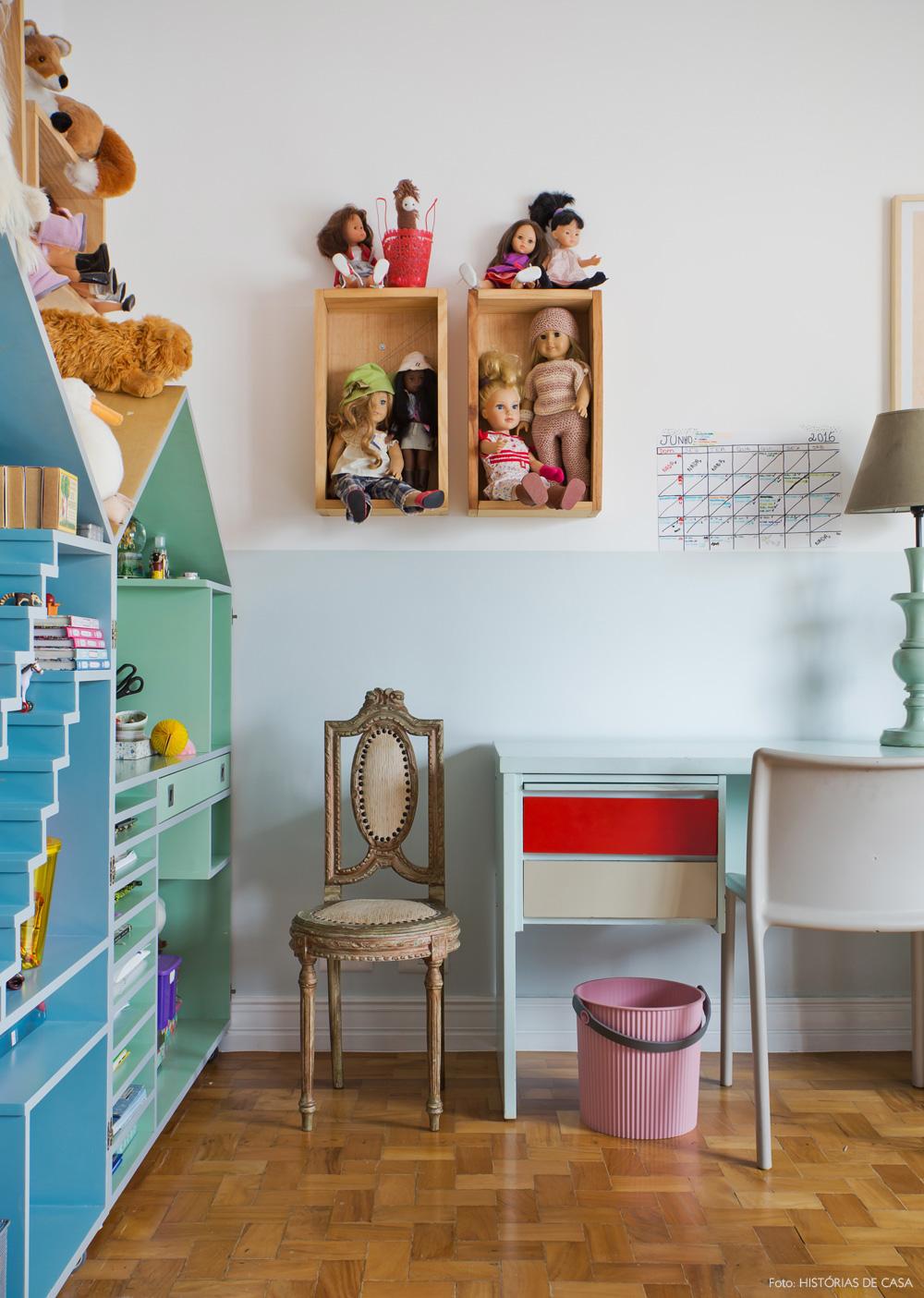 43-decoracao-quarto-menina-escrivaninha-estante-forma-casinha
