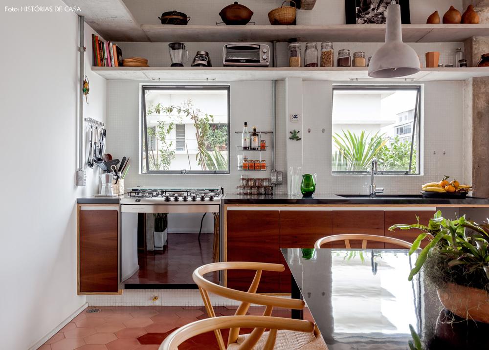 20-decoracao-apartamento-integrado-cozinha-concreto-granito-preto