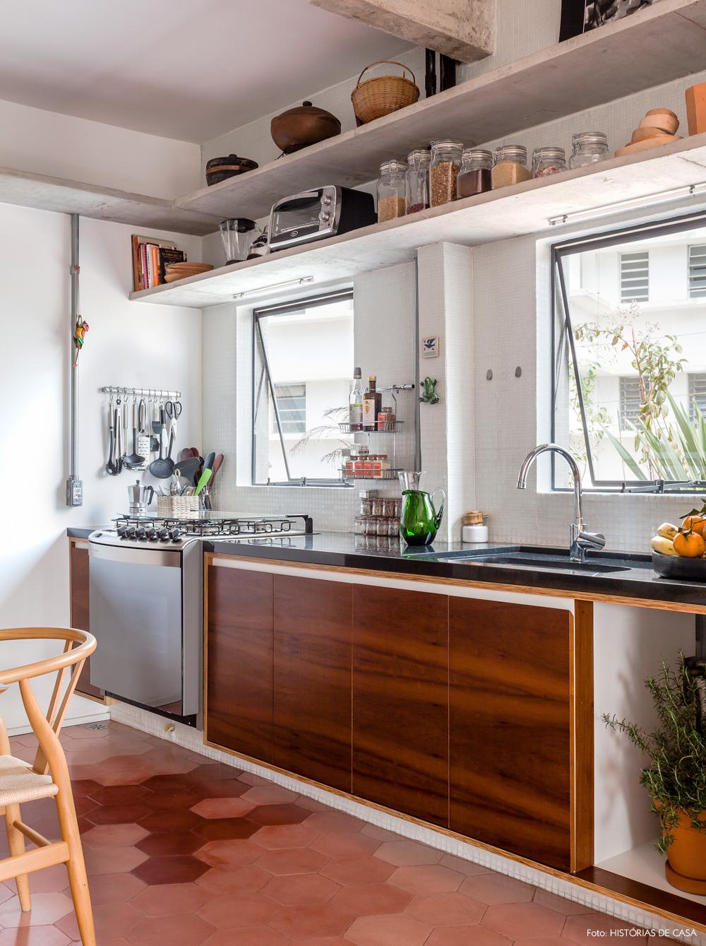 21-decoracao-apartamento-integrado-cozinha-concreto-granito-preto