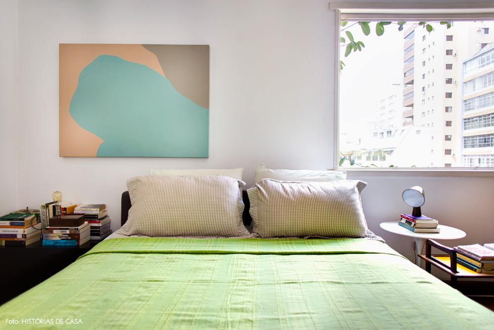 31-decoracao-quarto-colorido-roupa-cama-verde-vintage