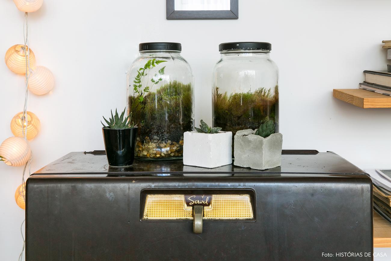 05-decoracao-apartamento-plantas-pequenas-terrario