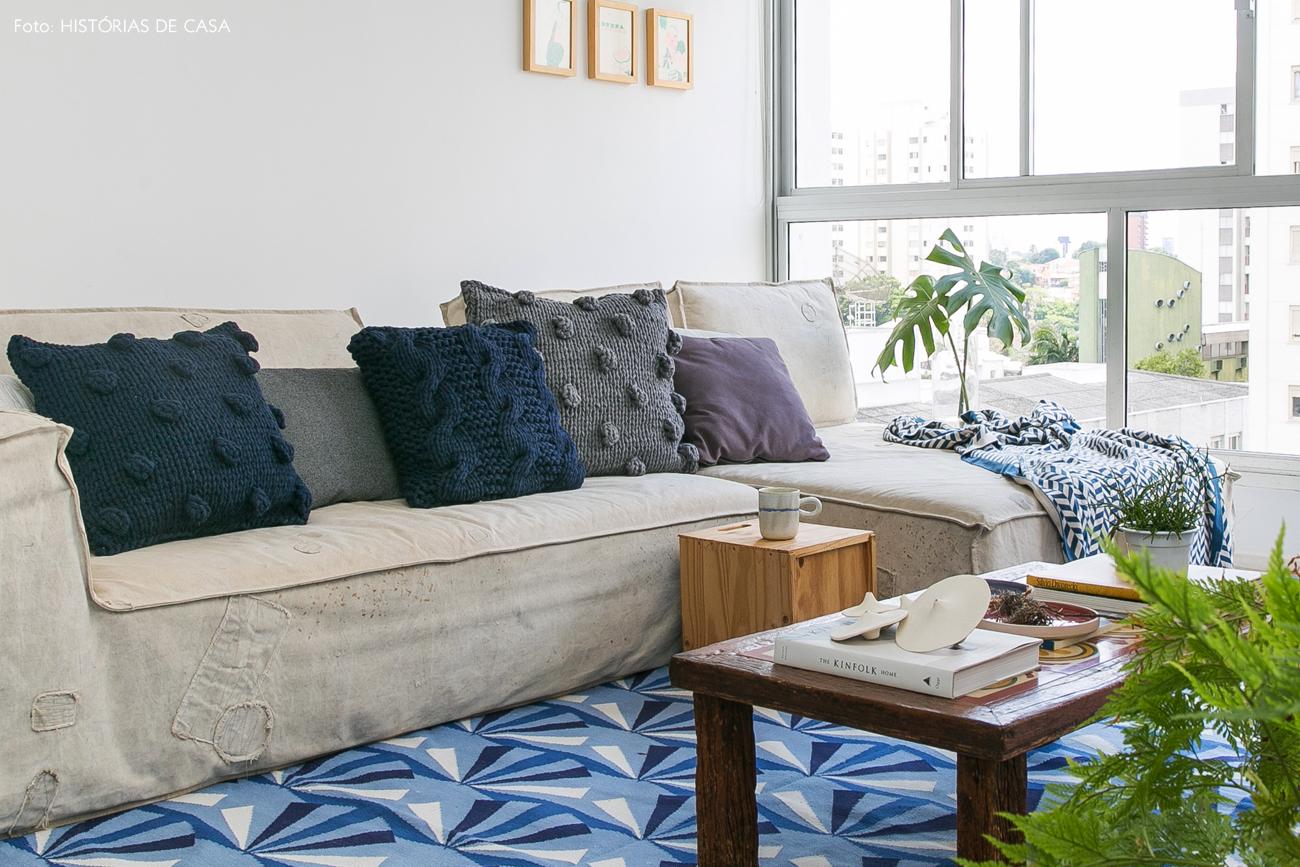 10-decoracao-apartamento-integrado-sofa-lona-almofadas-trico