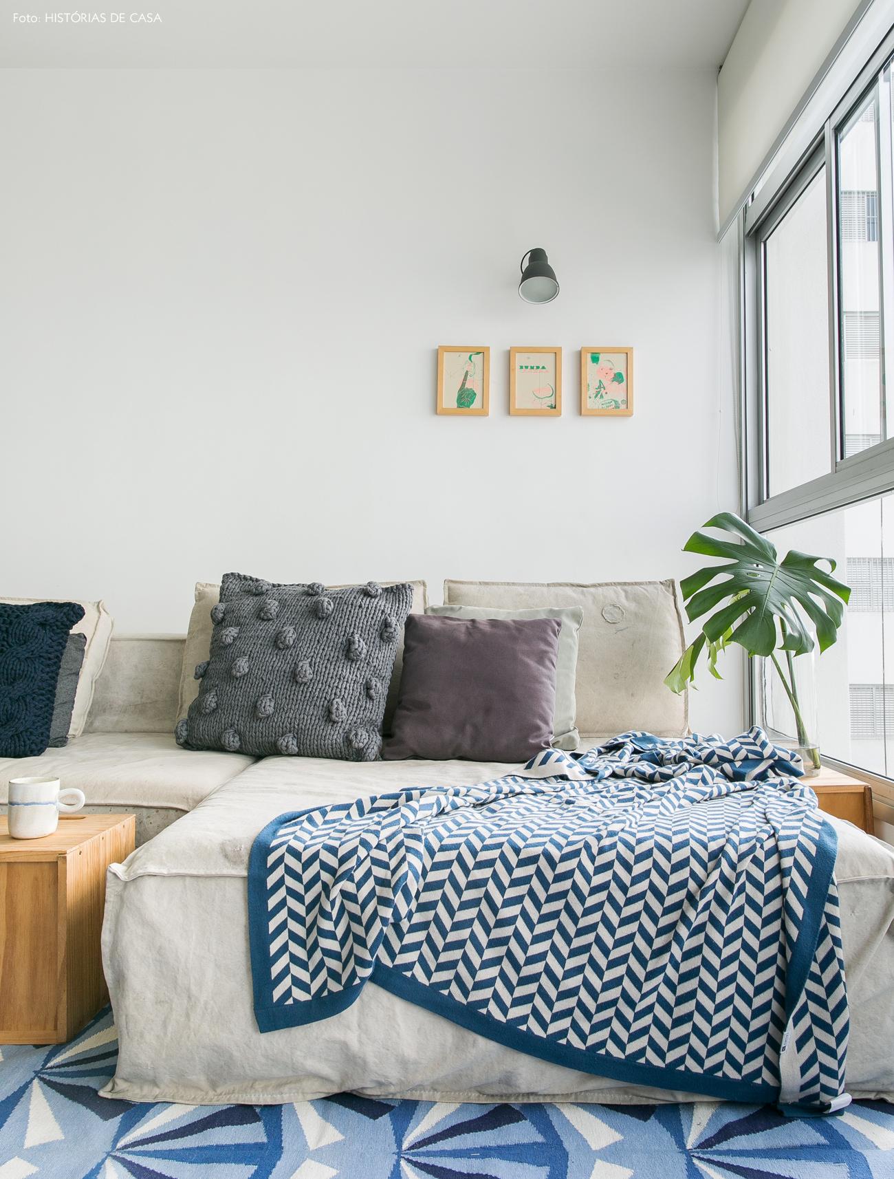 12-decoracao-apartamento-integrado-sofa-lona-almofadas-trico