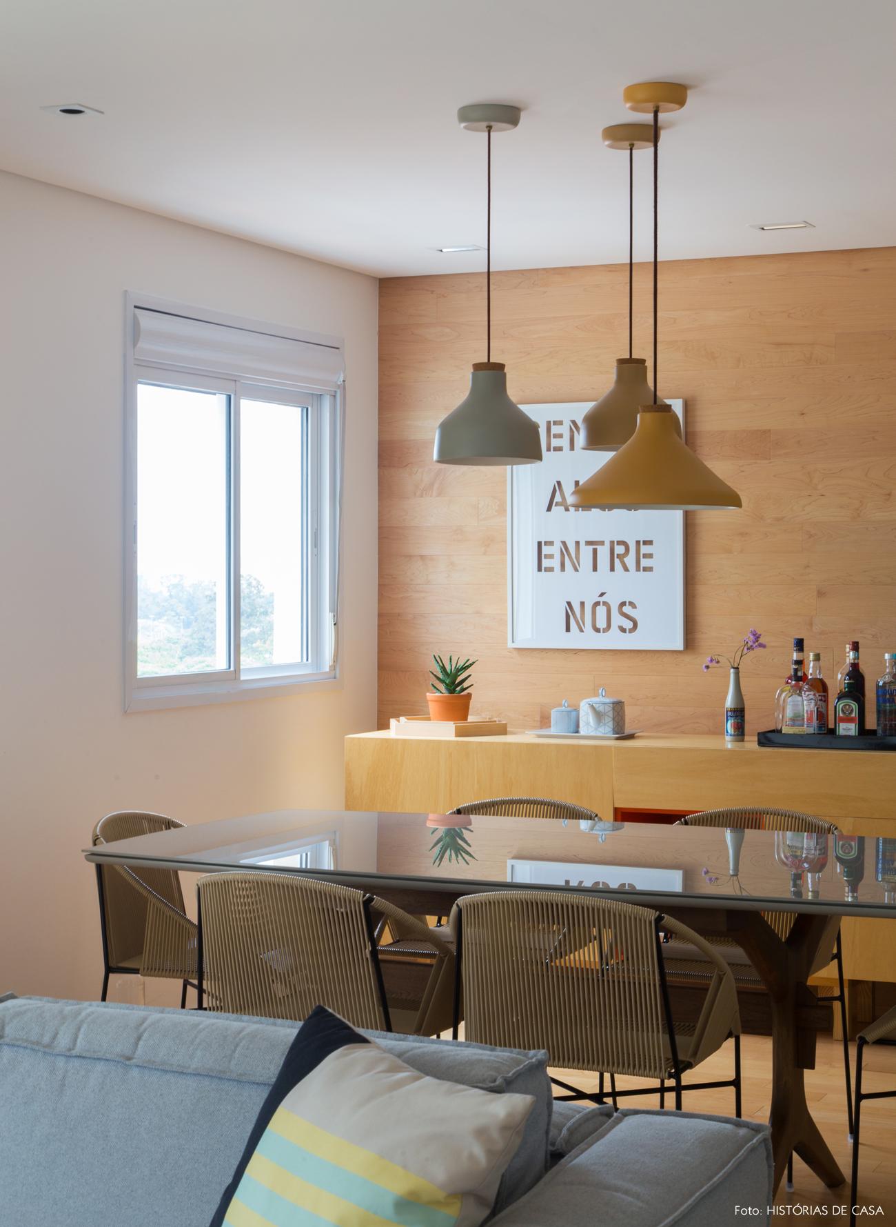 19-decoracao-apartamento-sala-de-jantar-painel-de-madeira