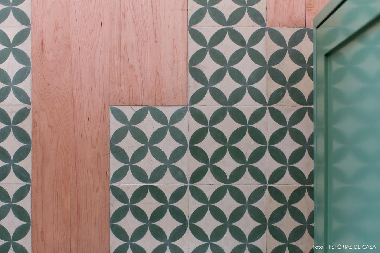 25-decoracao-apartamento-cozinha-integrada-piso-ladrilho-hidraulico