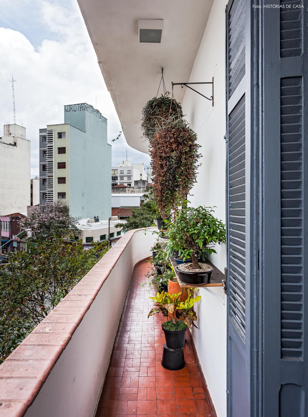 27-decoracao-varanda-estreita-apartamento-antigo