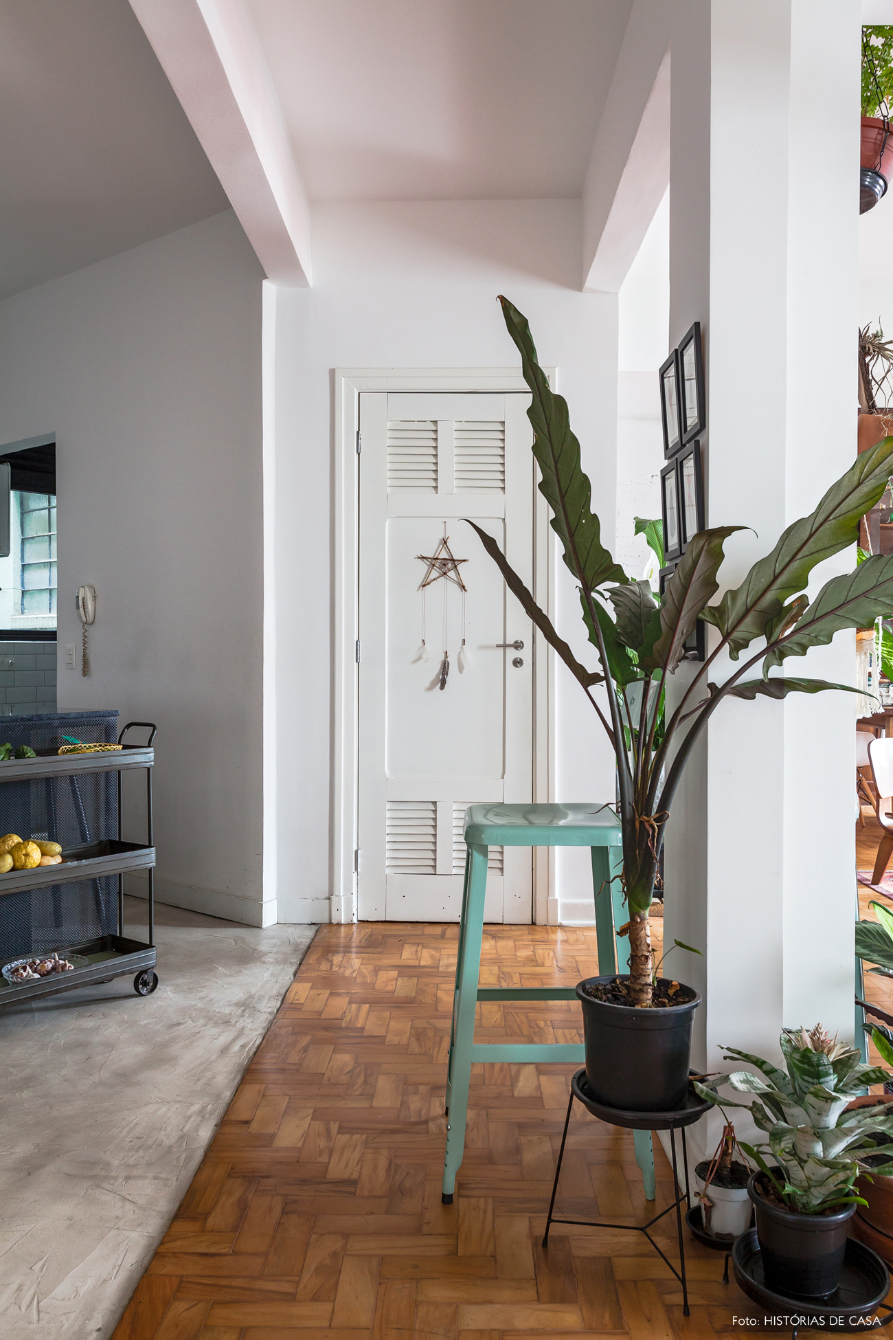 29-decoracao-apartamento-antigo-reforma-tacos-cimento-queimado