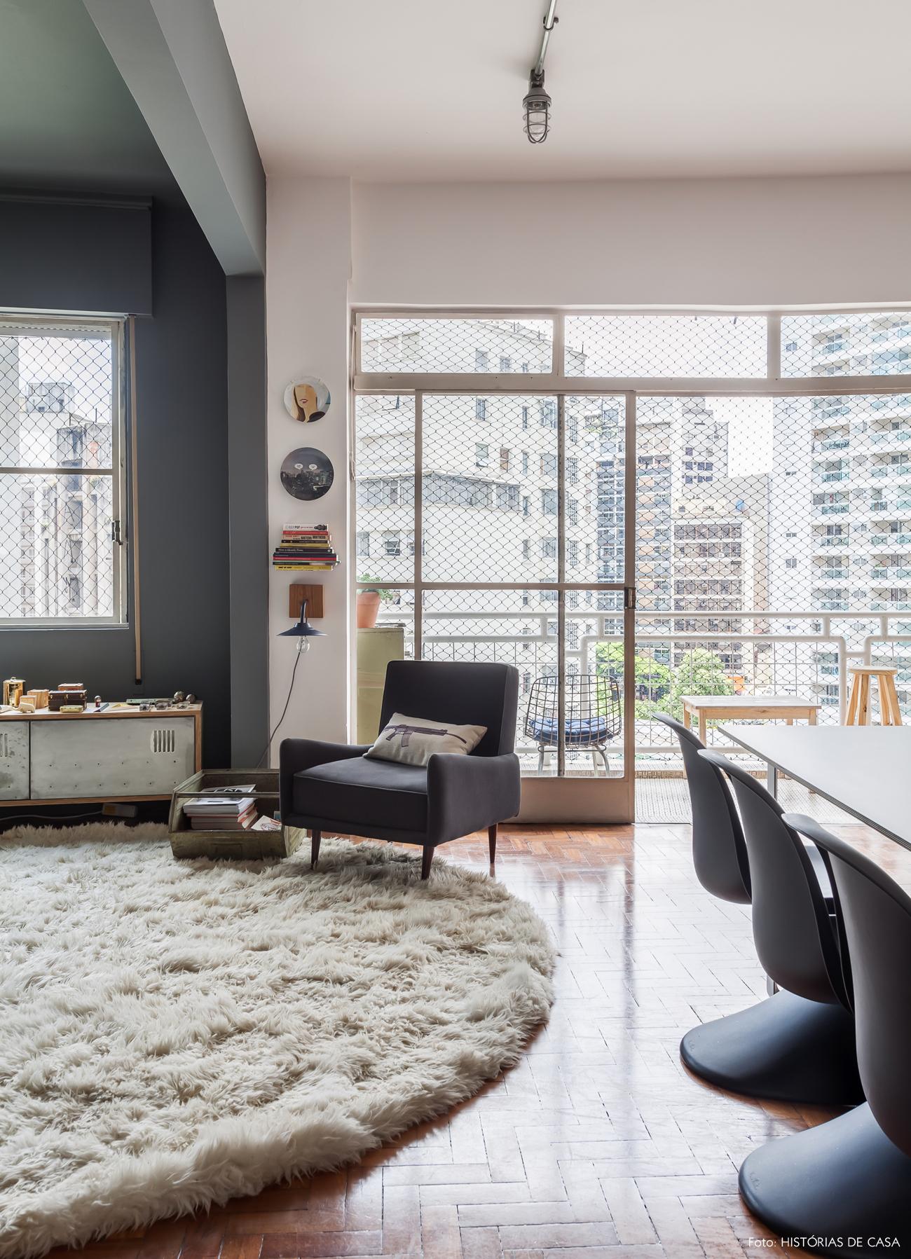 05-decoracao-apartamento-moderno-parede-teto-cinza