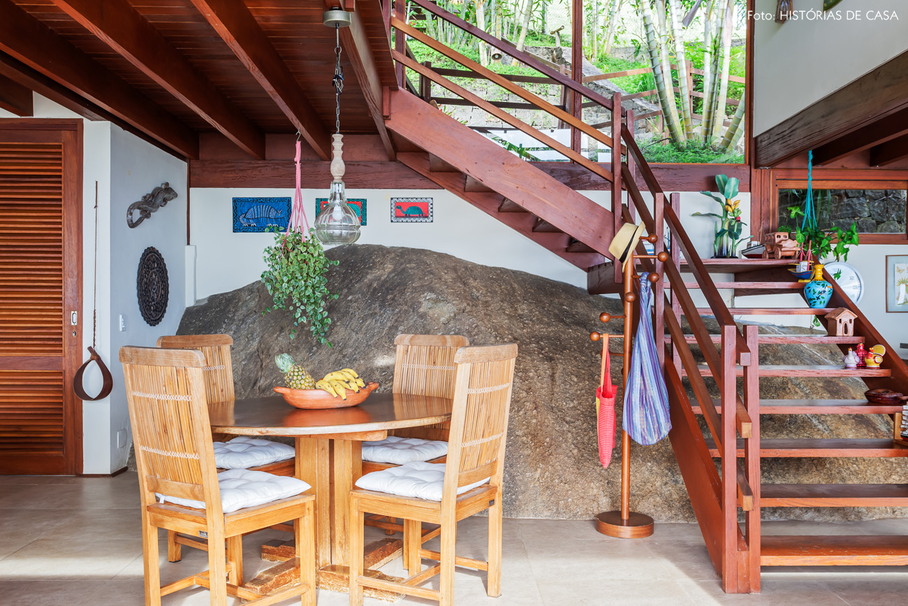 12-decoracao-casa-de-praia-arquitetura-pedra-estrutura-madeira