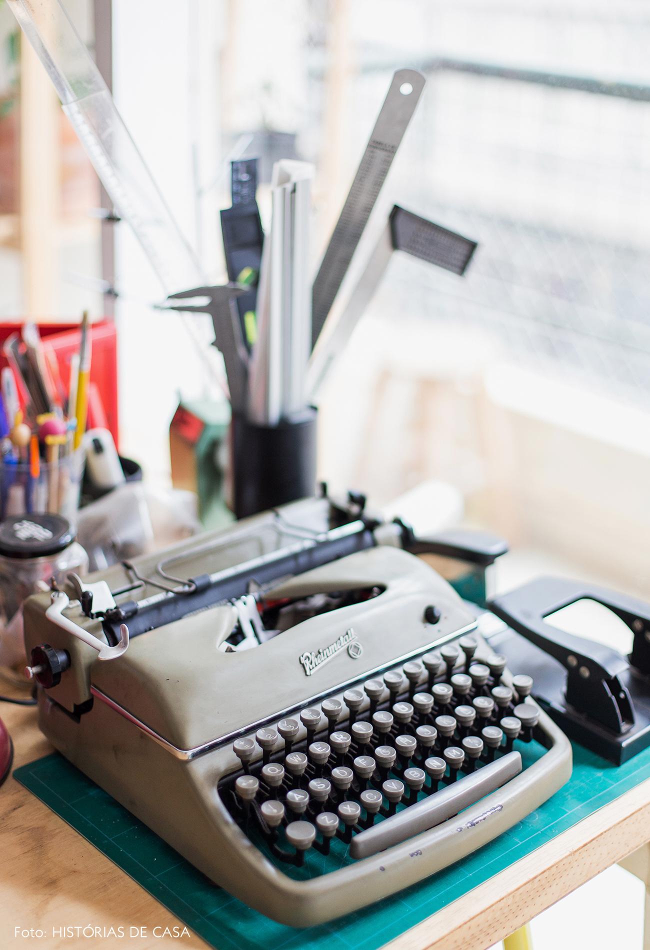 Máquina de escrever vintage na decoração