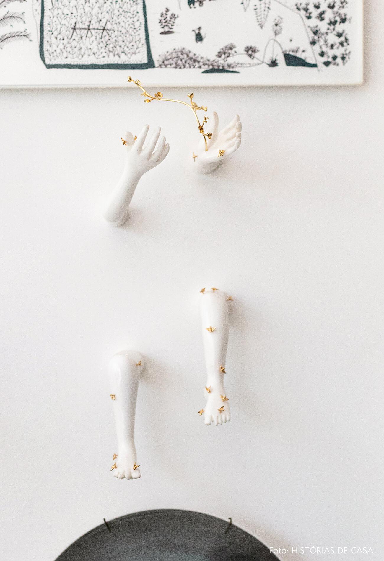 Escultura delicada de parede