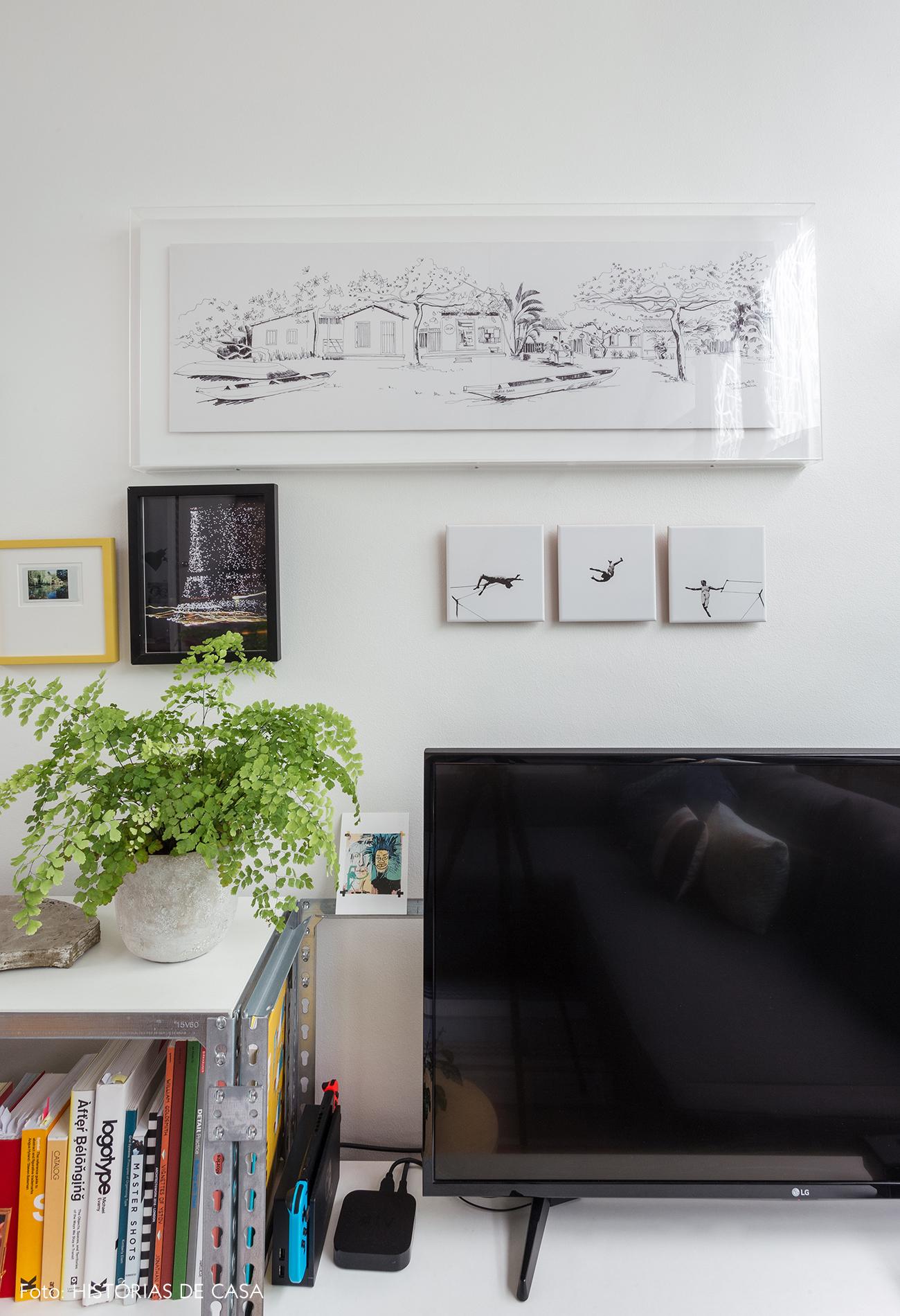 06-decoracao-apartamento-pequeno-quadros-e-detalhes-na-parede