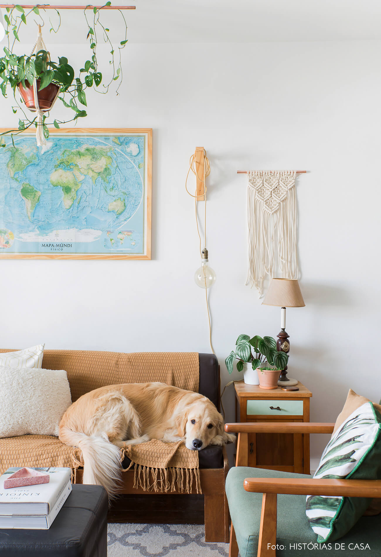 Decoração com móveis de família e macramê