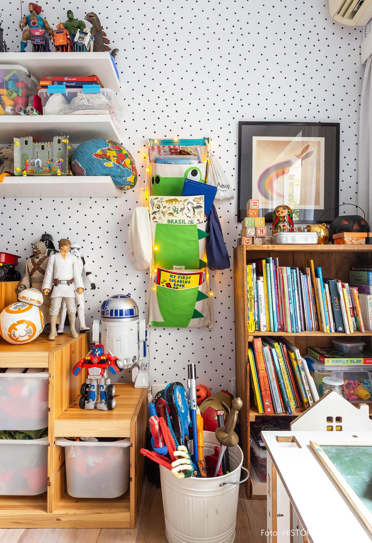 Móvel para organizar brinquedos no quarto de criança